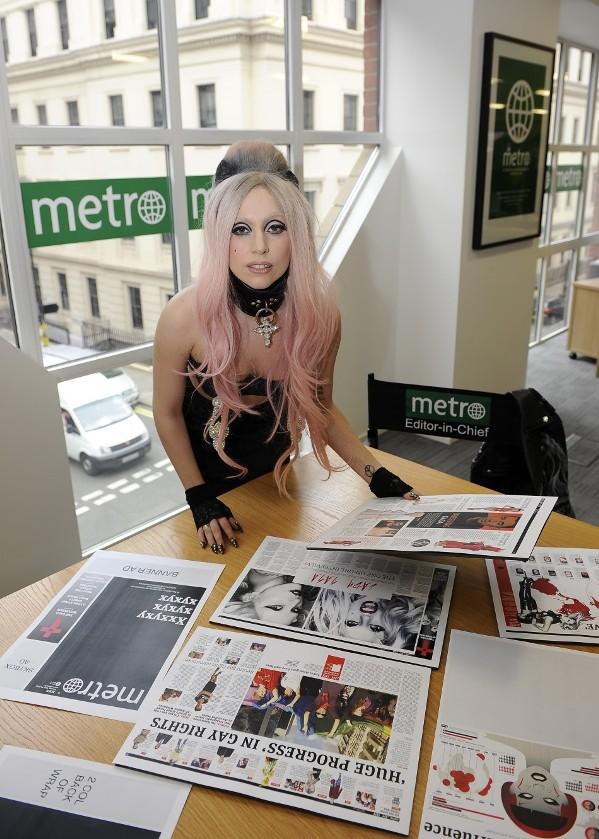 Леди Гага редактор газеты Метро